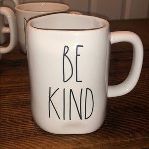 EUC Rae Dunn mug BE KIND